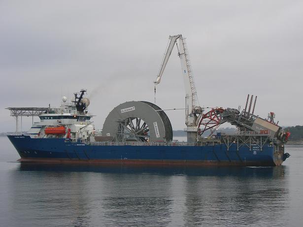 Кабельное судно, кабелеукладчик